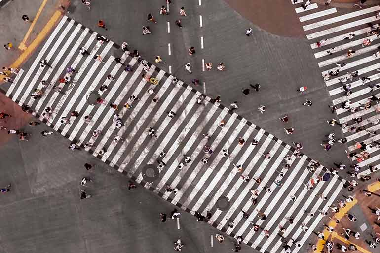 Busy-crosswalk in Manhattan